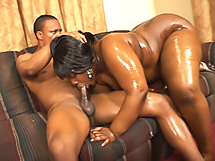 Jolpe sits her fat black body on a dick