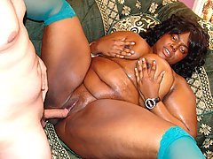 Big Titted Black Chick\\\'s Pussy Fucked