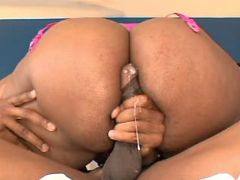 Fat black vixen gets cumload on ass